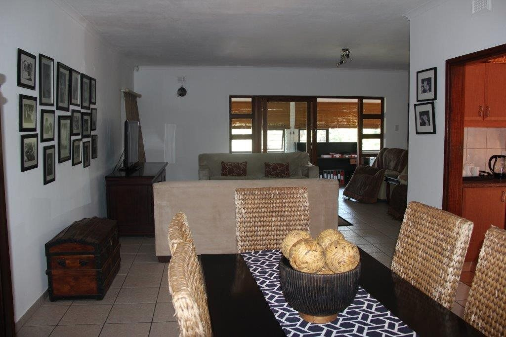 Uvongo property for sale. Ref No: 13529548. Picture no 30