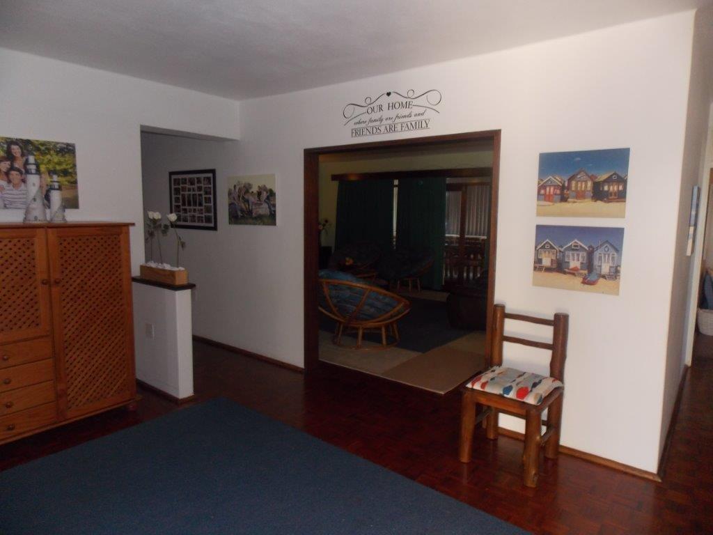 Amanzimtoti property for sale. Ref No: 13355728. Picture no 30