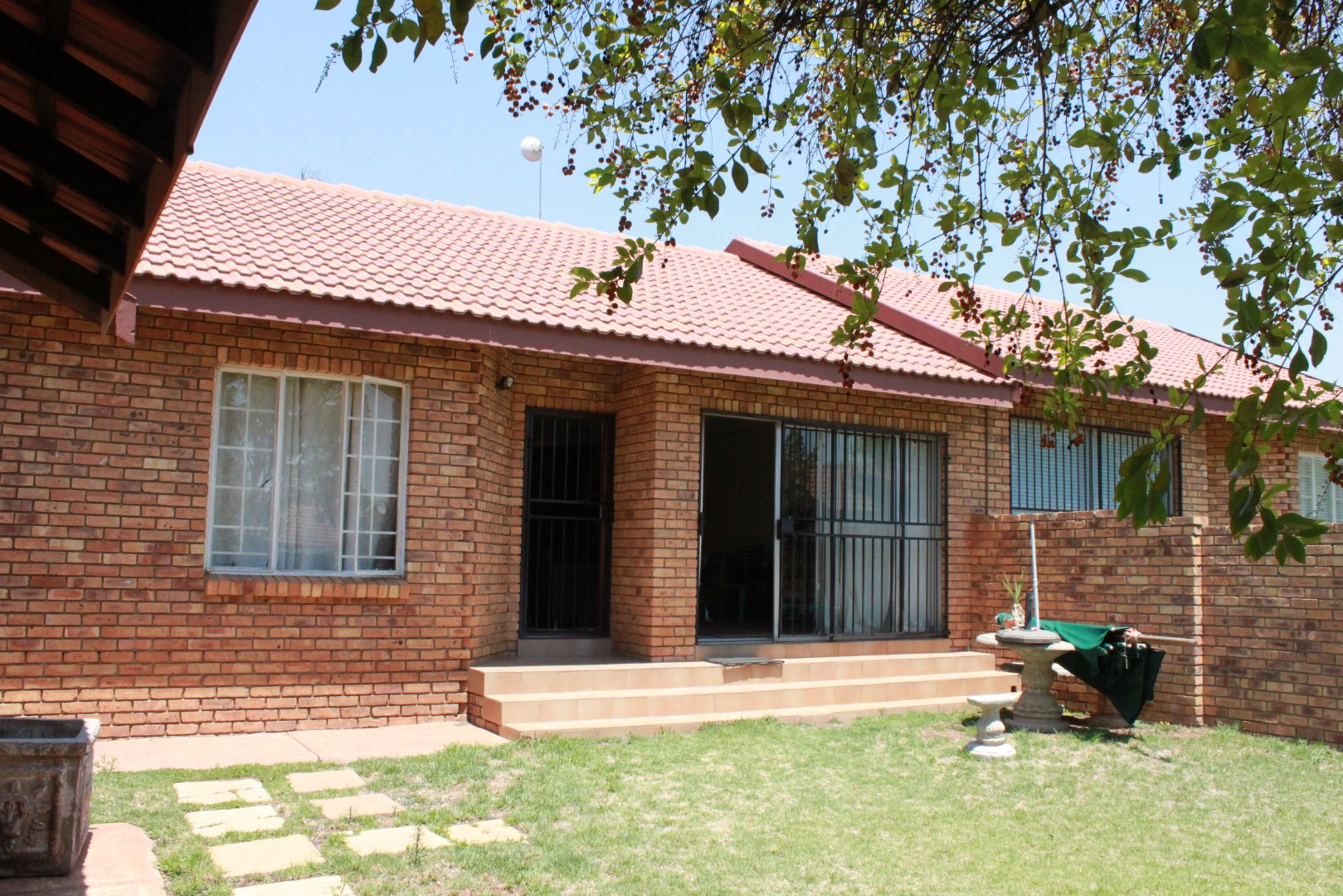 Property and Houses for sale in Amberfield Heights, House, 3 Bedrooms - ZAR 1,260,000