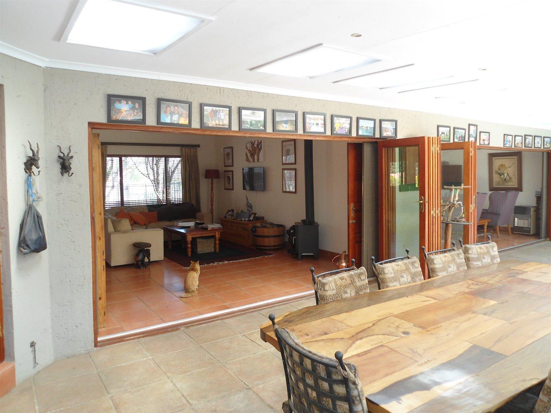 Douglasdale property for sale. Ref No: 13520882. Picture no 21