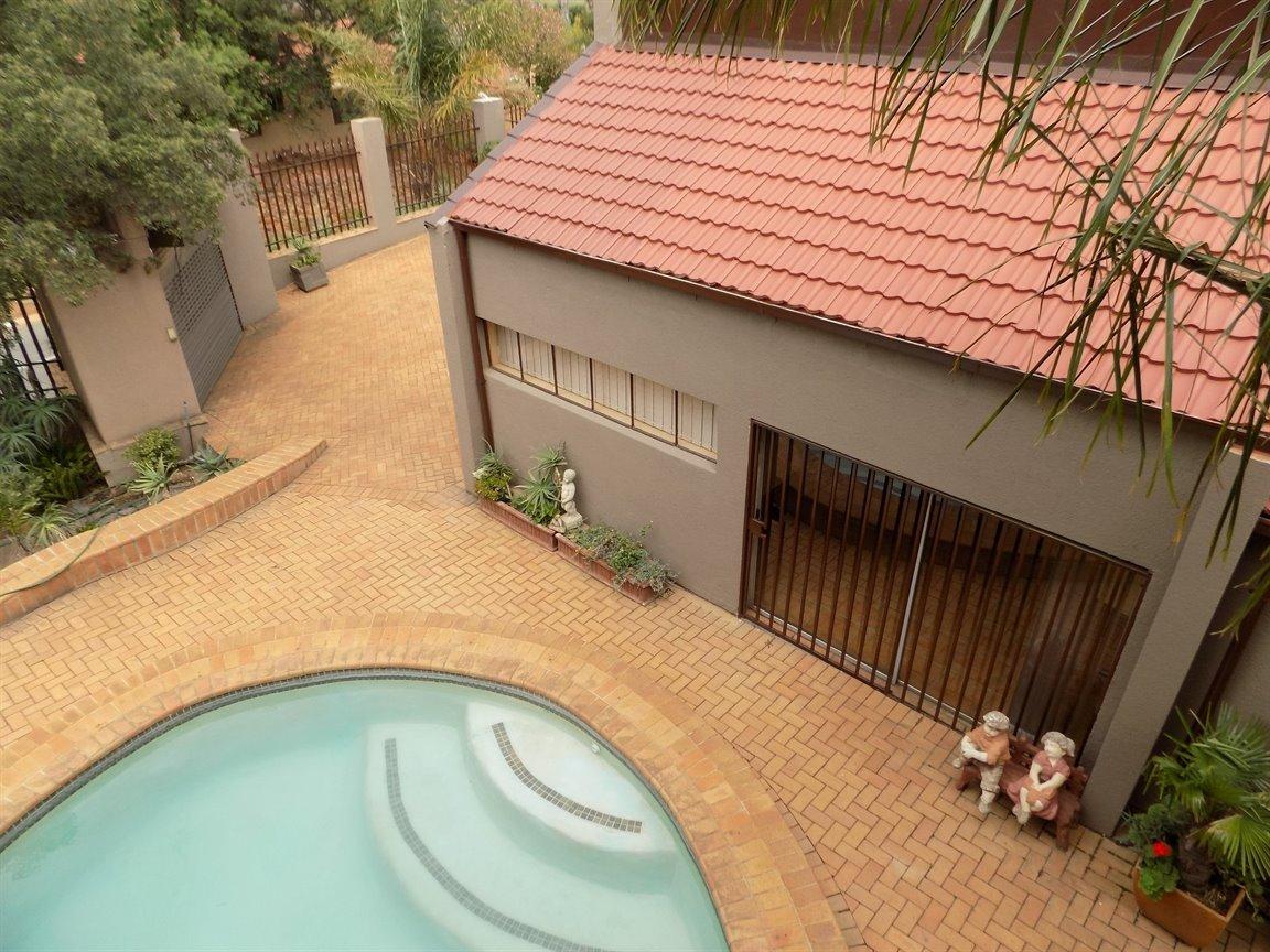 Bassonia property for sale. Ref No: 13389783. Picture no 43