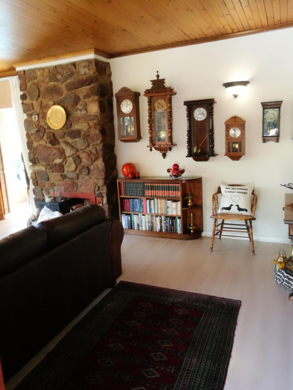 Mondeor property for sale. Ref No: 13525126. Picture no 3