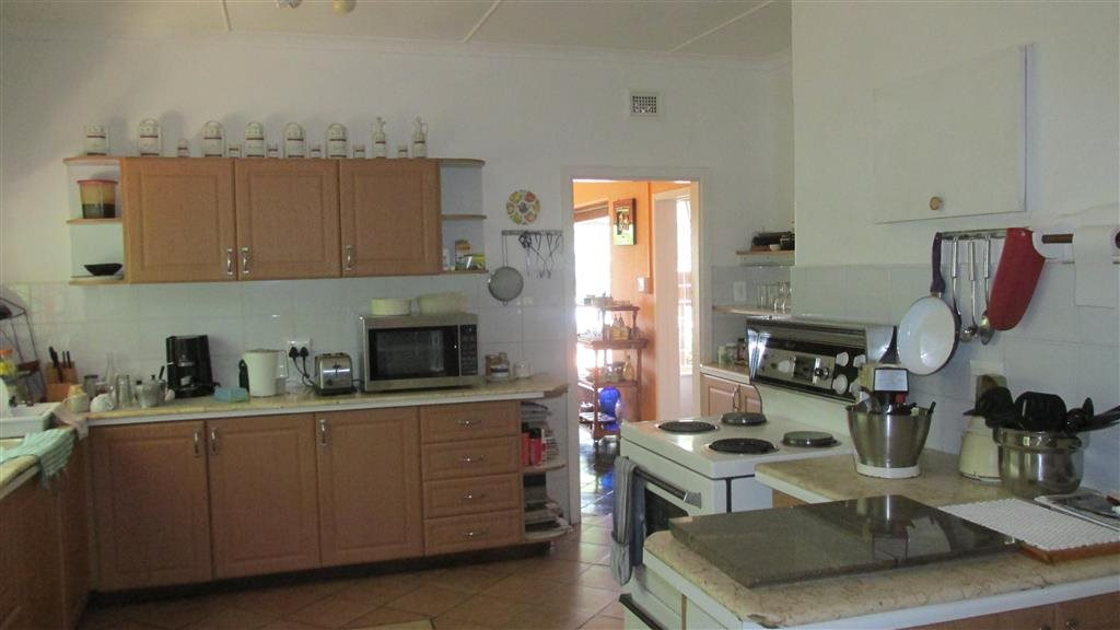 Ramsgate property for sale. Ref No: 13424418. Picture no 11