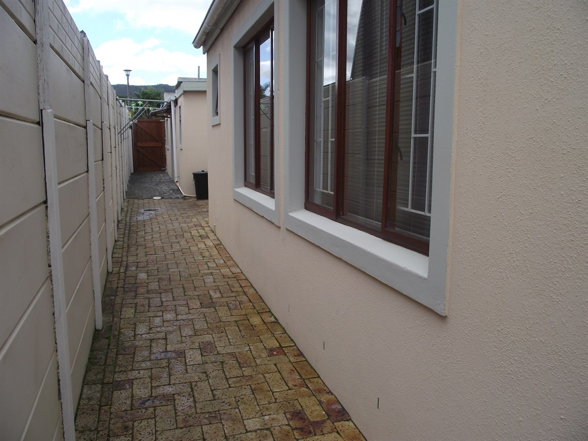 Plattekloof property to rent. Ref No: 13495691. Picture no 8