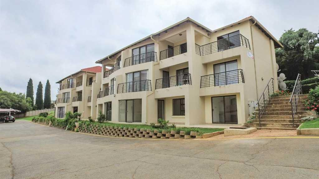 , Townhouse, 2 Bedrooms - ZAR 1,075,000