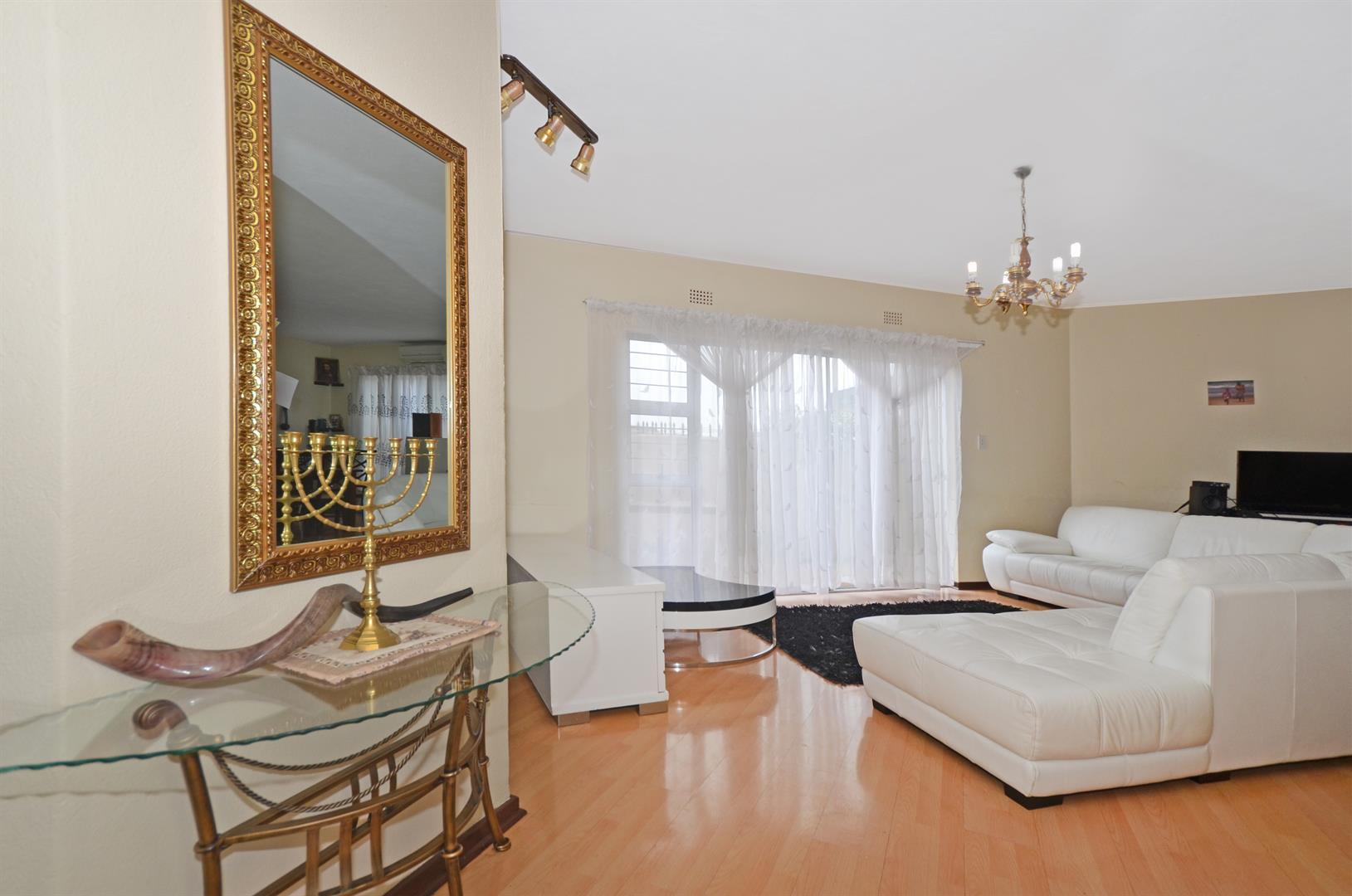 Johannesburg, Corlett Gardens Property  | Houses For Sale Corlett Gardens, Corlett Gardens, Apartment 3 bedrooms property for sale Price:1,200,000