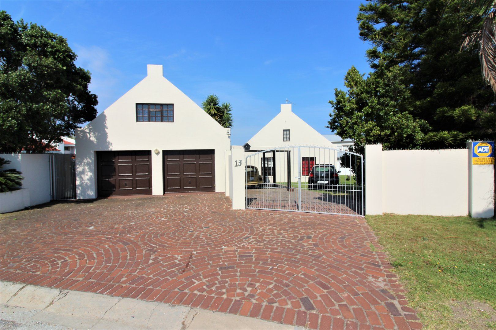 Property and Houses for sale in Plettenberg Bay Central, House, 3 Bedrooms - ZAR 1,645,000