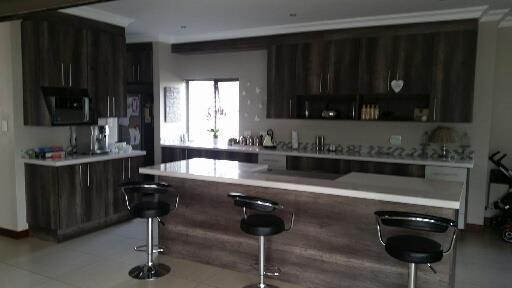 Midstream Ridge Estate property for sale. Ref No: 13462257. Picture no 3