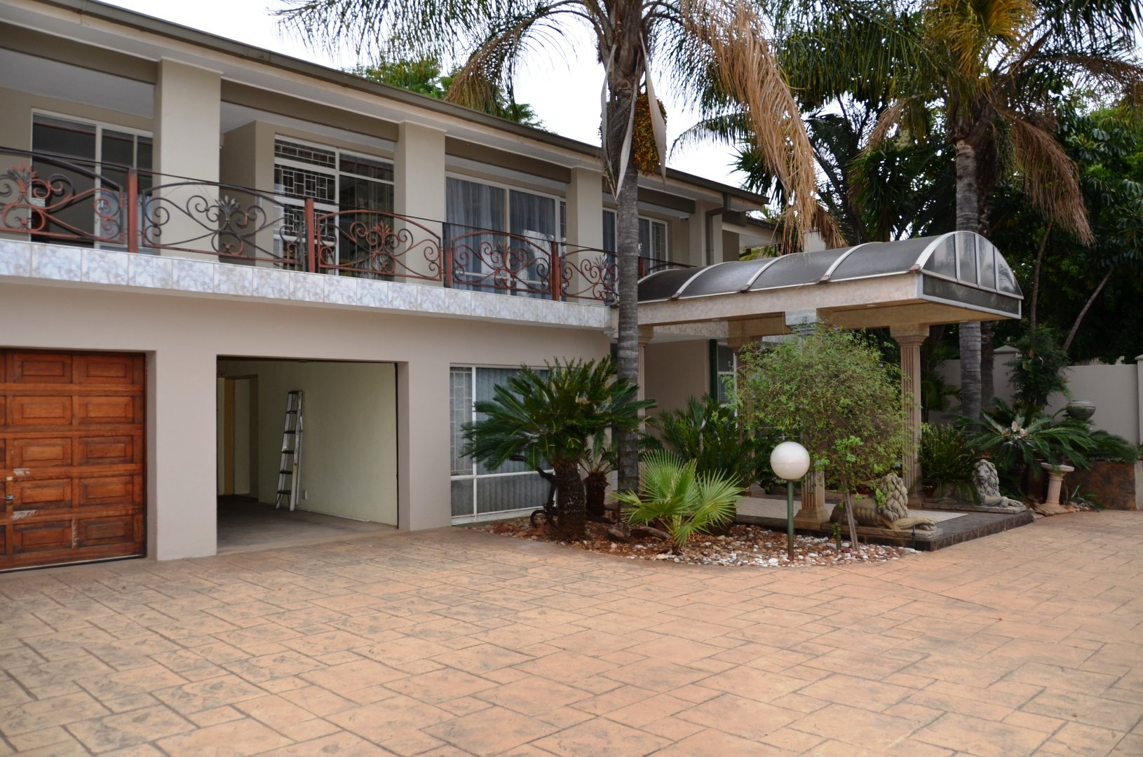 Property and Houses for sale in Waverley, House, 5 Bedrooms - ZAR 2,750,000