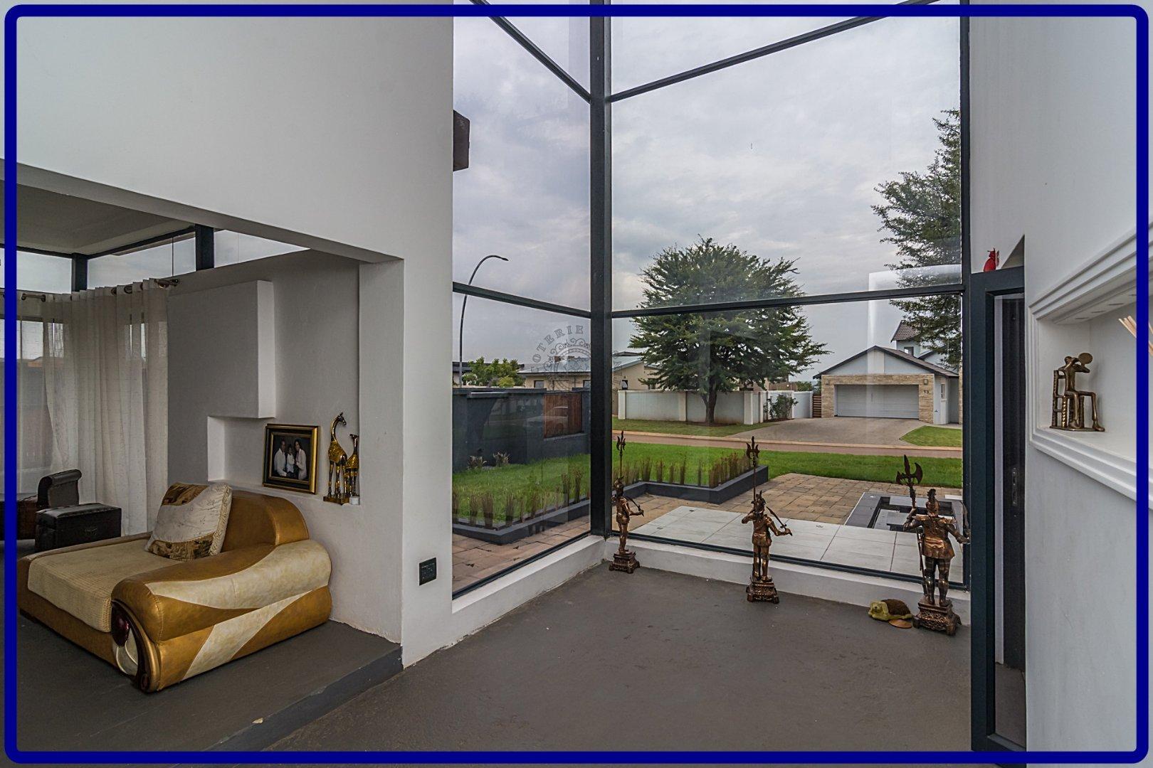 Midstream Hill property for sale. Ref No: 13644259. Picture no 5