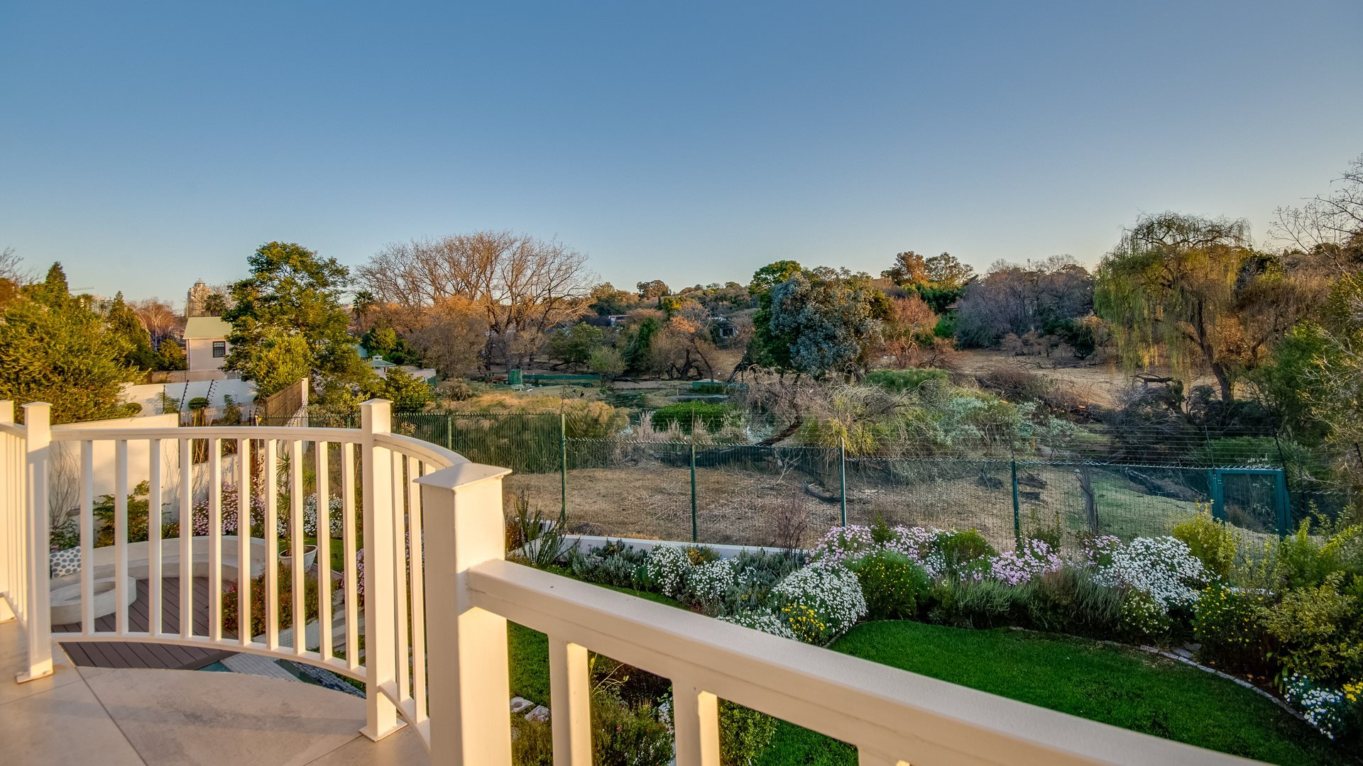 Benmore Gardens property for sale. Ref No: 13524490. Picture no 31
