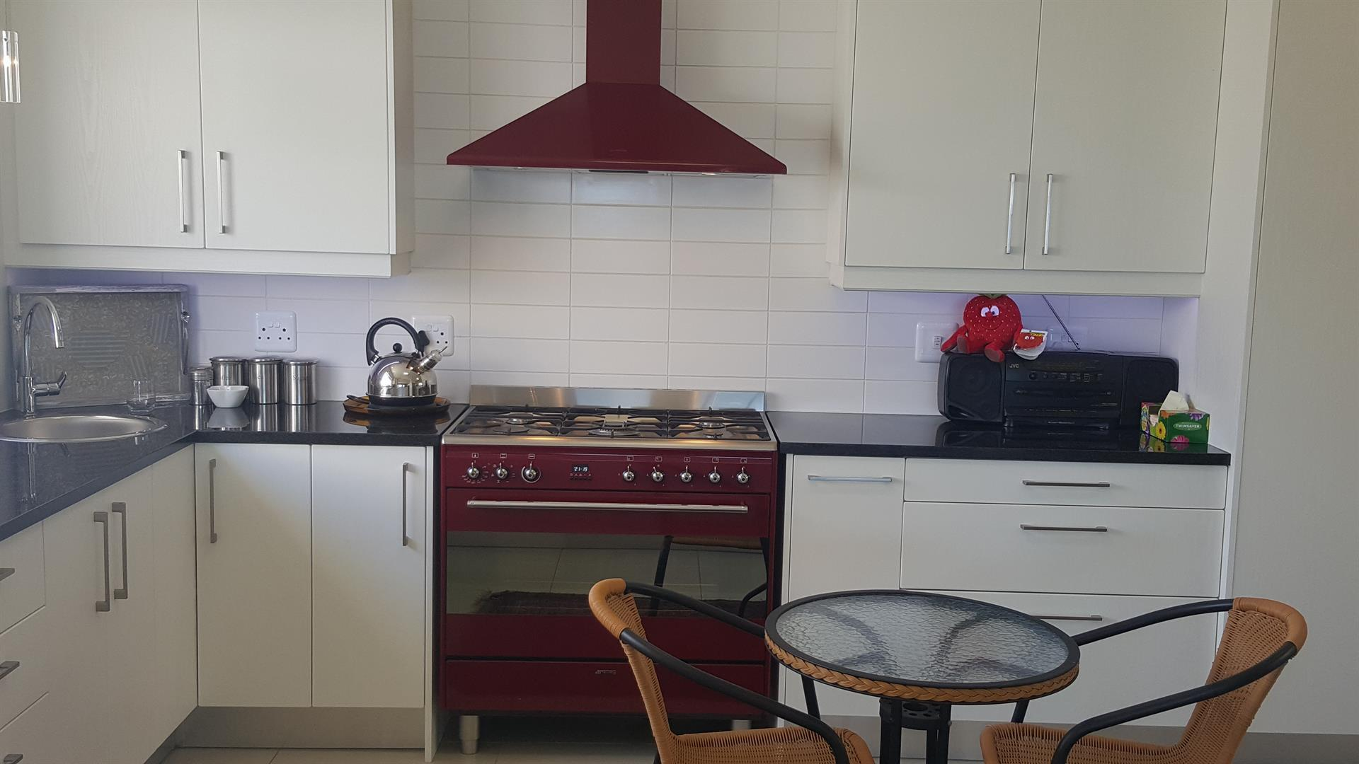 Yzerfontein property for sale. Ref No: 13454156. Picture no 16