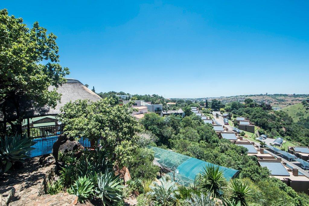 Glenvista property for sale. Ref No: 13529565. Picture no 31