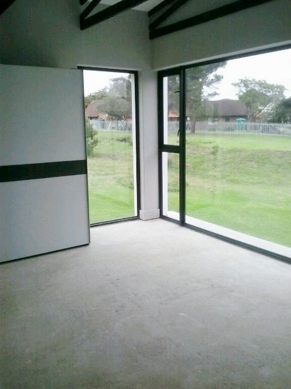 Walmer property for sale. Ref No: 13398800. Picture no 34