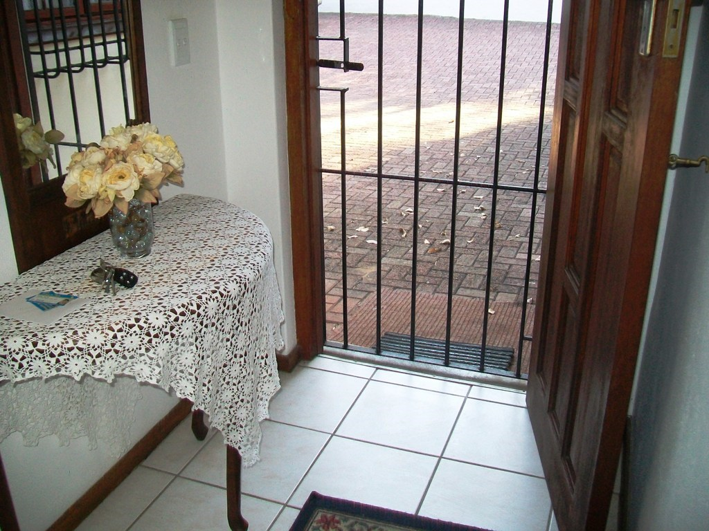 Marina Beach property for sale. Ref No: 12754536. Picture no 4