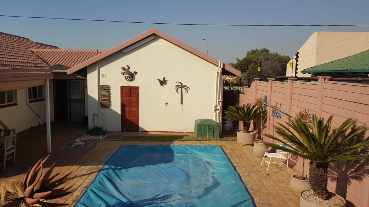 Randfontein, Randpoort Property  | Houses For Sale Randpoort, Randpoort, House 3 bedrooms property for sale Price:1,200,000