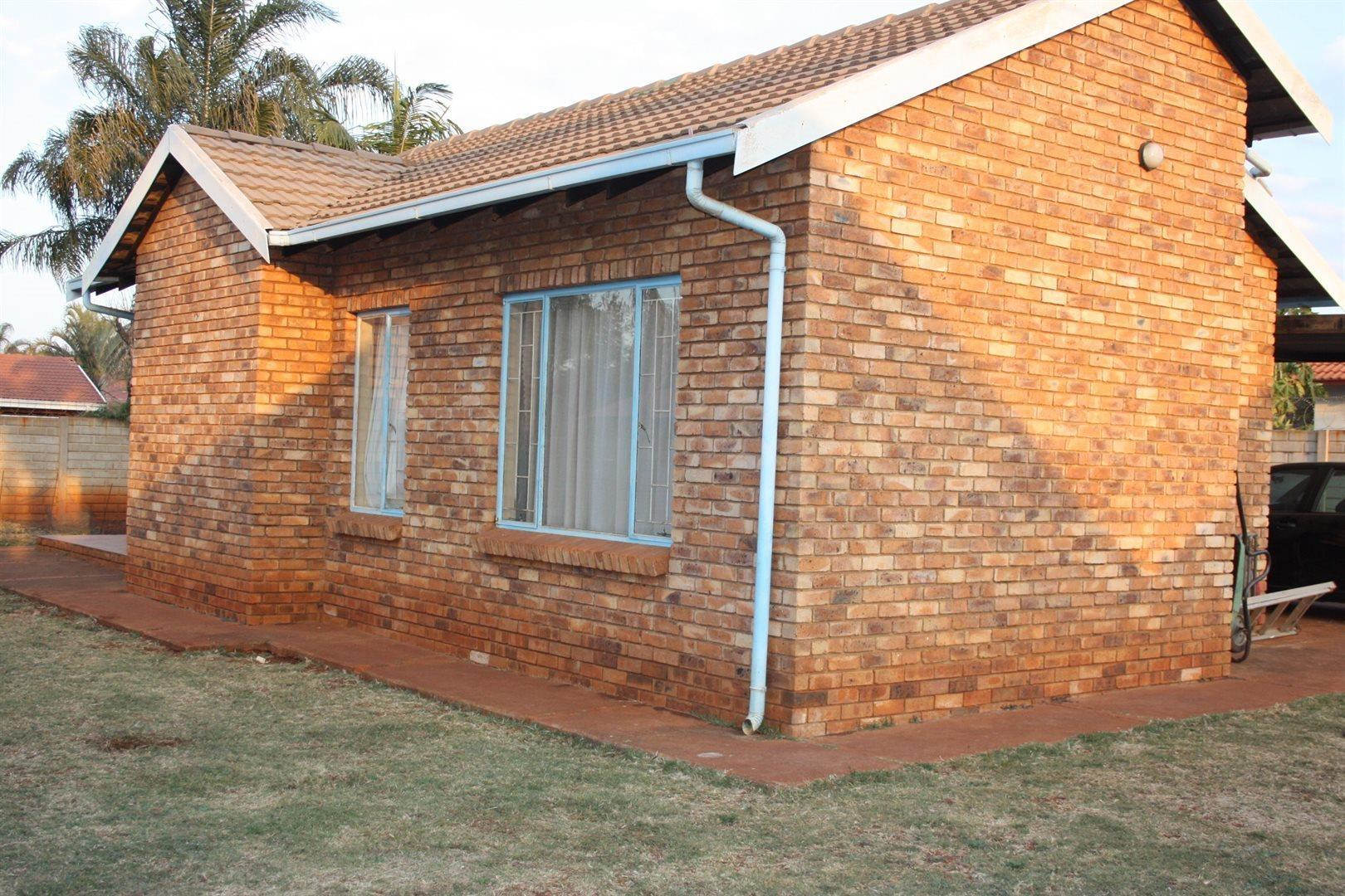 Pretoria, Chantelle Property  | Houses For Sale Chantelle, Chantelle, House 3 bedrooms property for sale Price:880,000