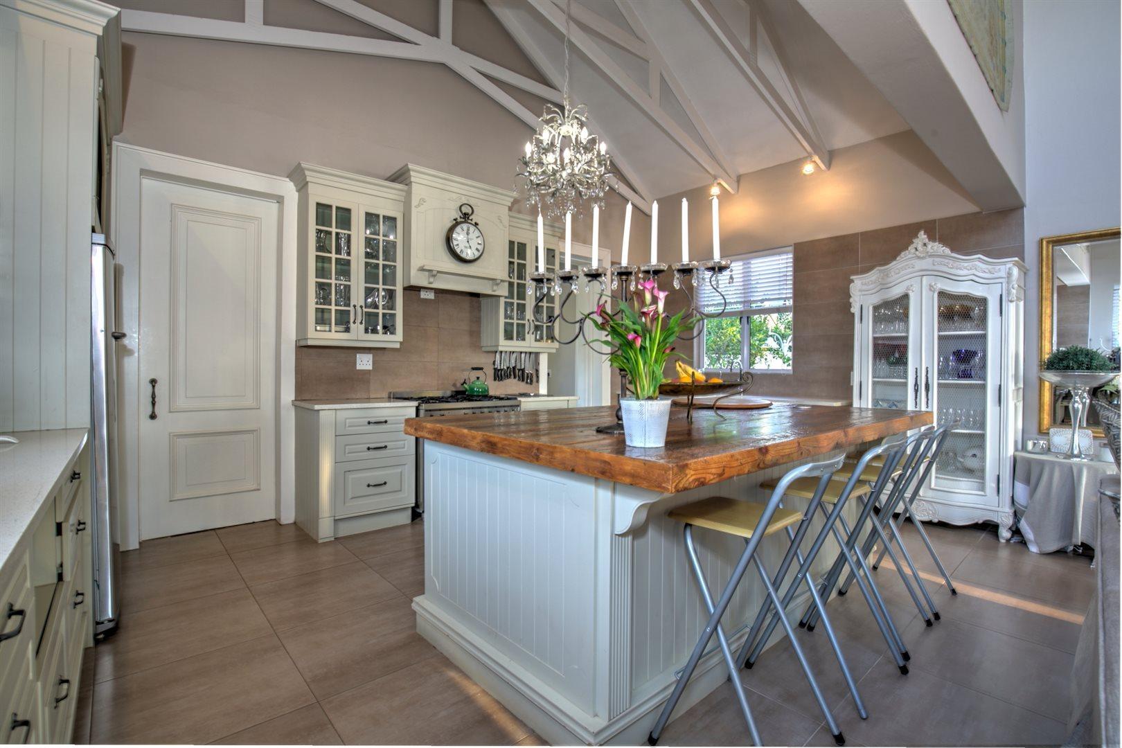 Southdowns Estate property for sale. Ref No: 13622989. Picture no 9