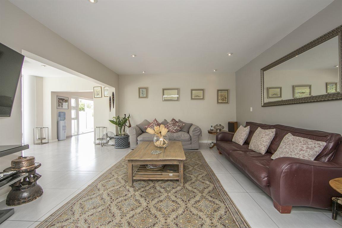 Dainfern Golf Estate property for sale. Ref No: 13423253. Picture no 2
