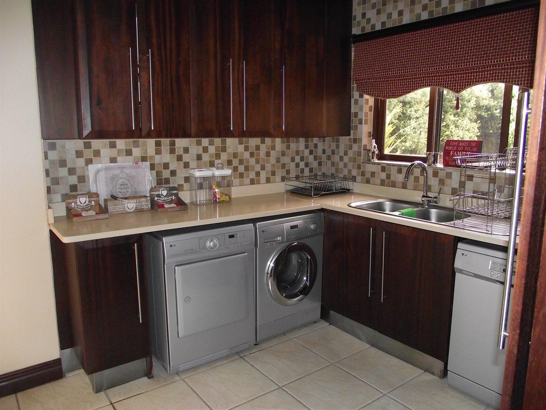 Midstream Estate property for sale. Ref No: 13477549. Picture no 7