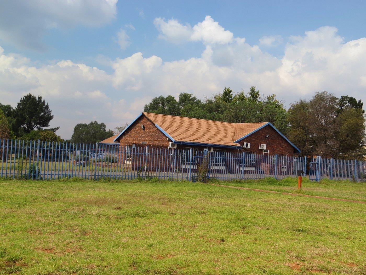 Kliprivier property for sale. Ref No: 13481632. Picture no 30