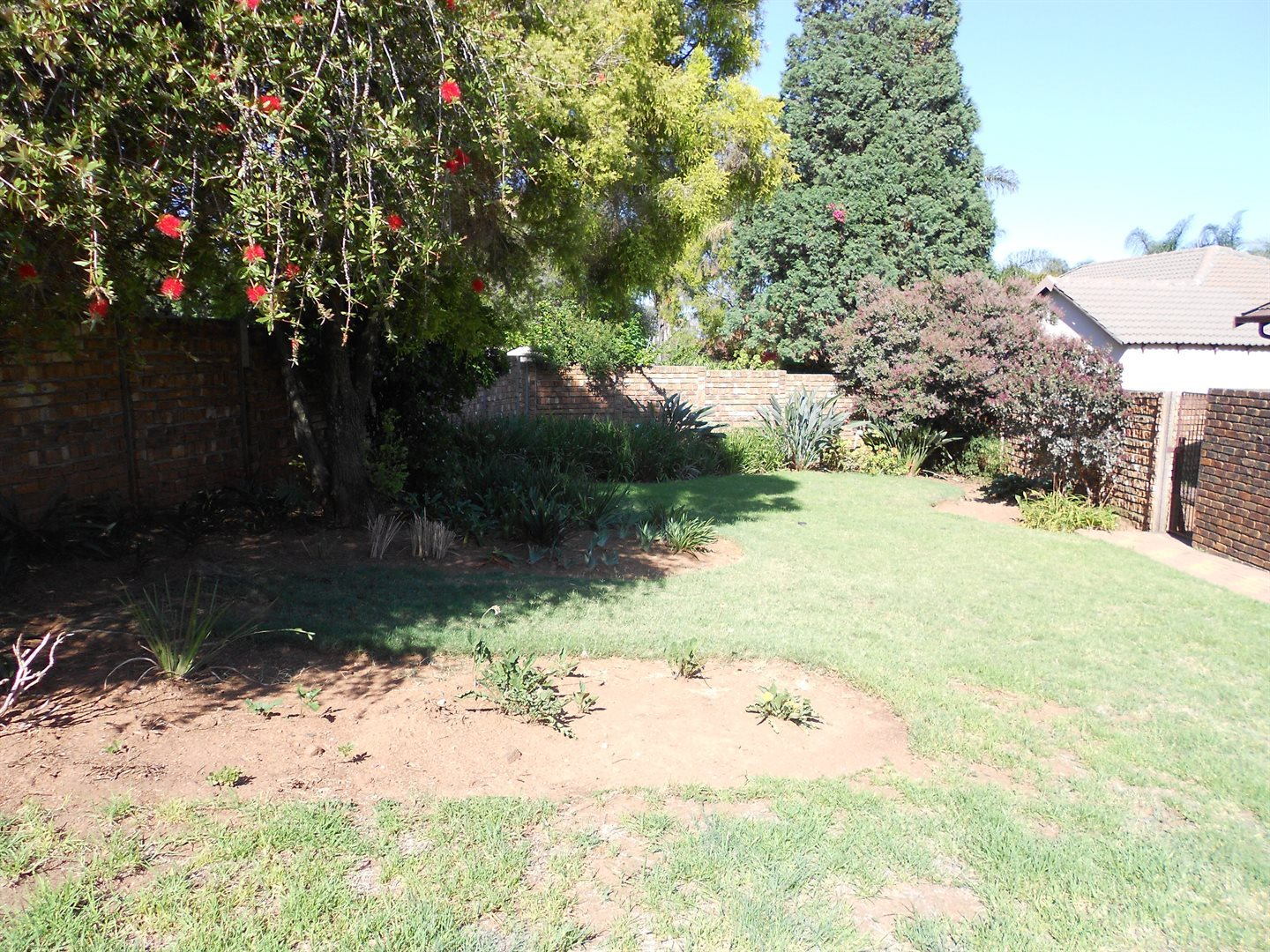Rooihuiskraal property for sale. Ref No: 13572771. Picture no 17