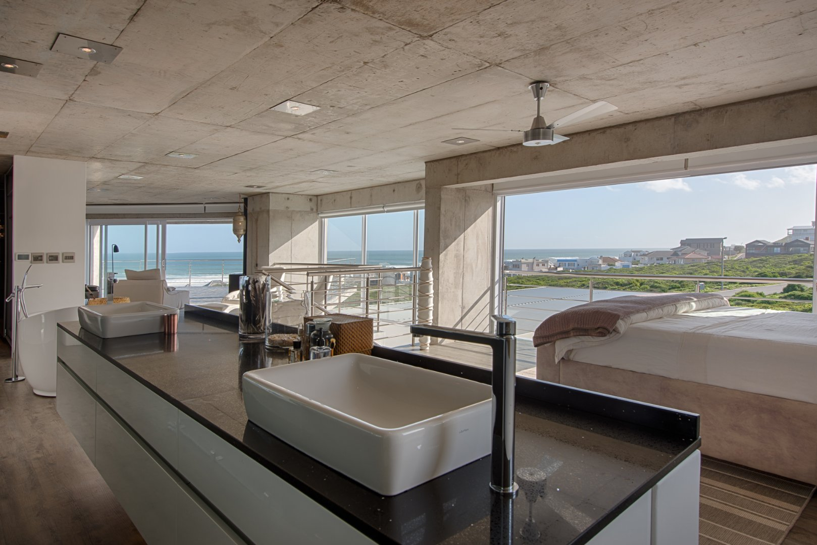 Yzerfontein property for sale. Ref No: 13623512. Picture no 51