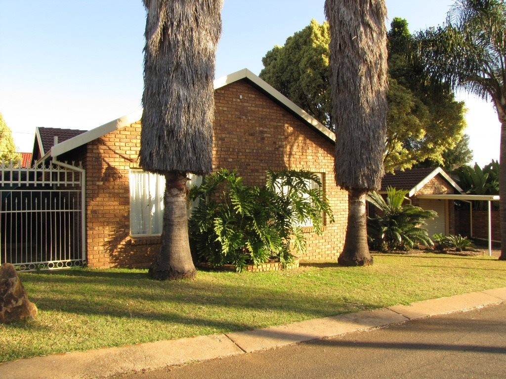 Pretoria, Garsfontein Property  | Houses For Sale Garsfontein, Garsfontein, House 3 bedrooms property for sale Price:1,370,000