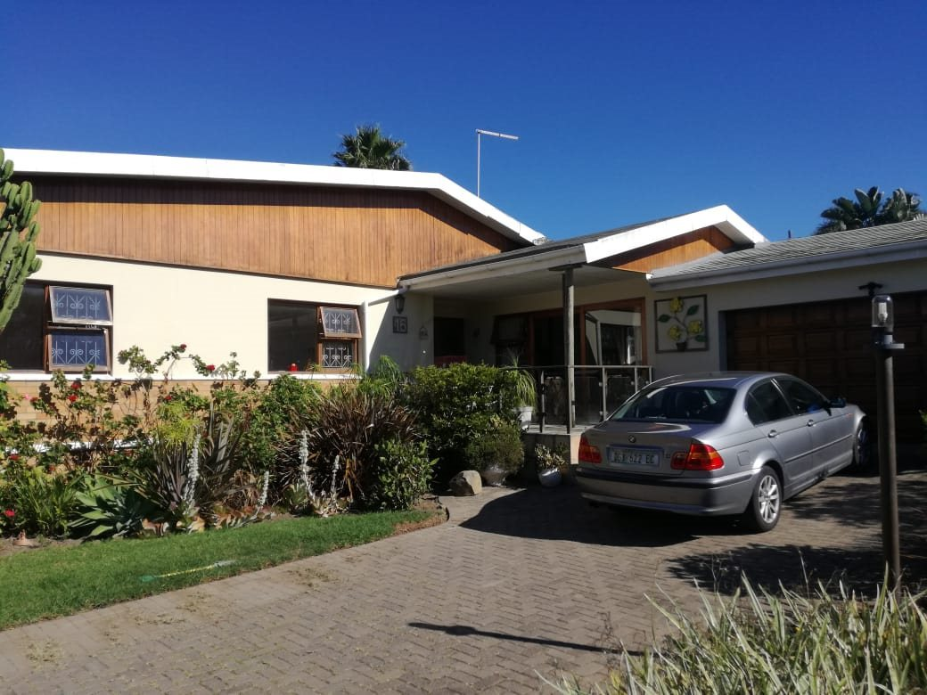 Property for Sale by DLC INC. ATTORNEYS Henry Sutherland, House, 4 Bedrooms - ZAR 2,095,000