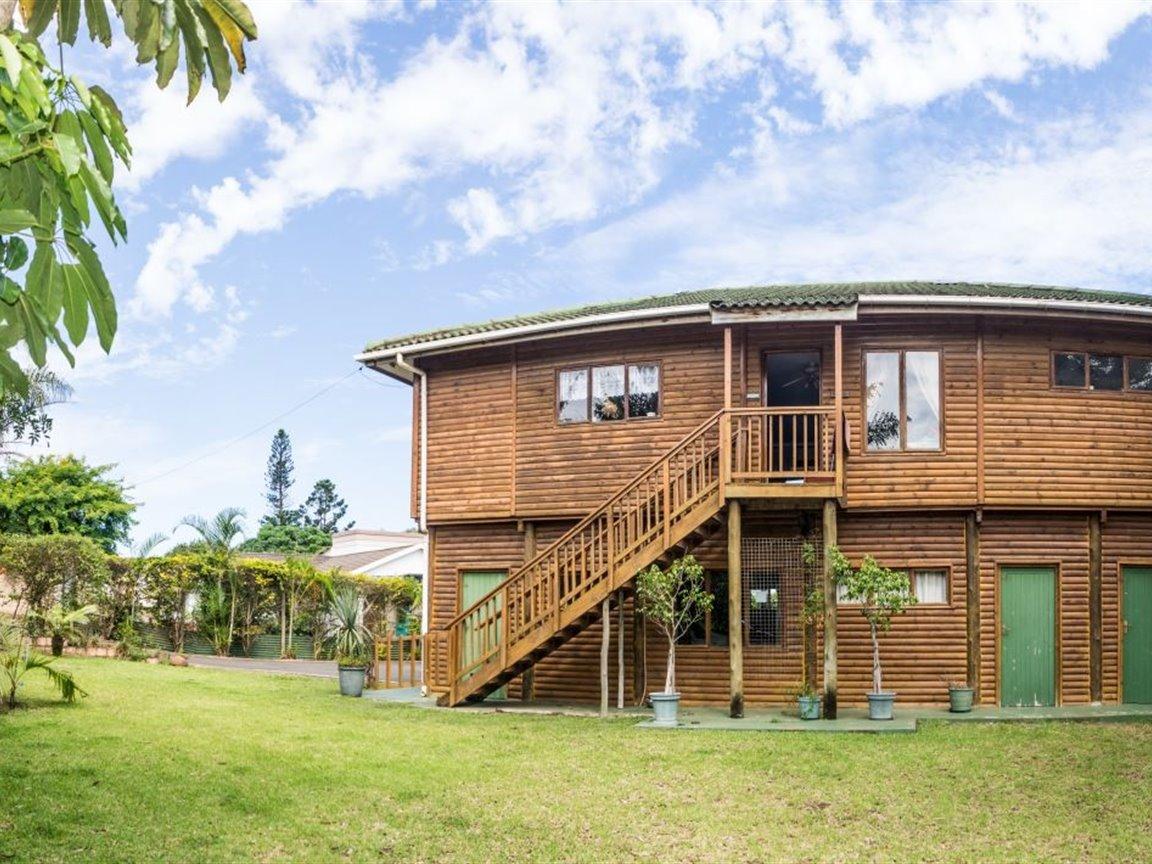 Amanzimtoti, Amanzimtoti Property    Houses For Sale Amanzimtoti, Amanzimtoti, House 3 bedrooms property for sale Price:POA