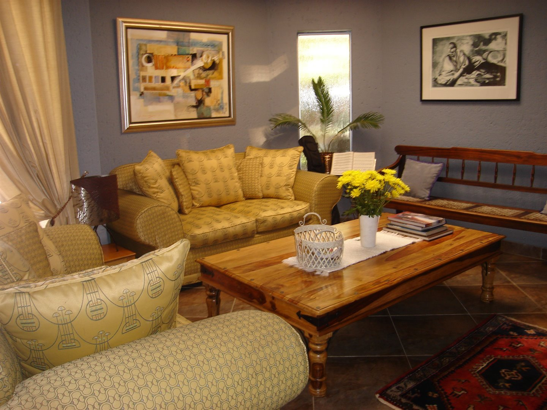 Eldoraigne property for sale. Ref No: 13494397. Picture no 4