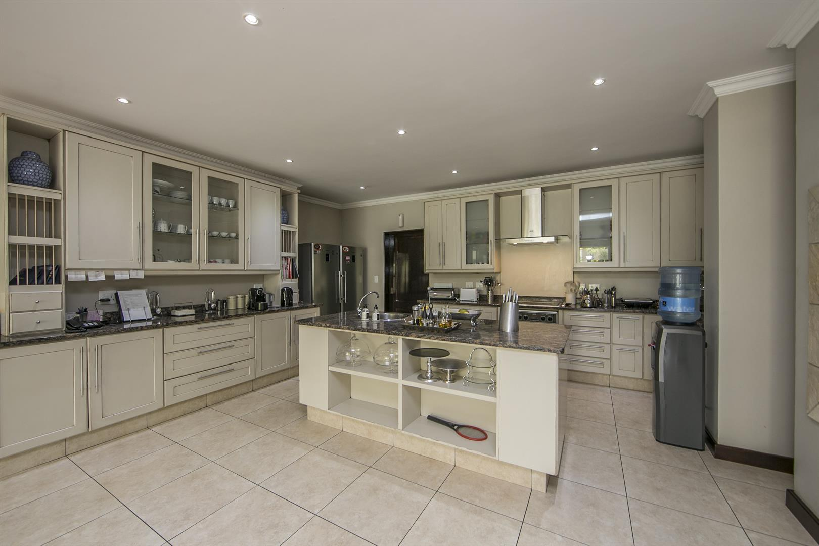 Fernbrook Estate property for sale. Ref No: 13439619. Picture no 3