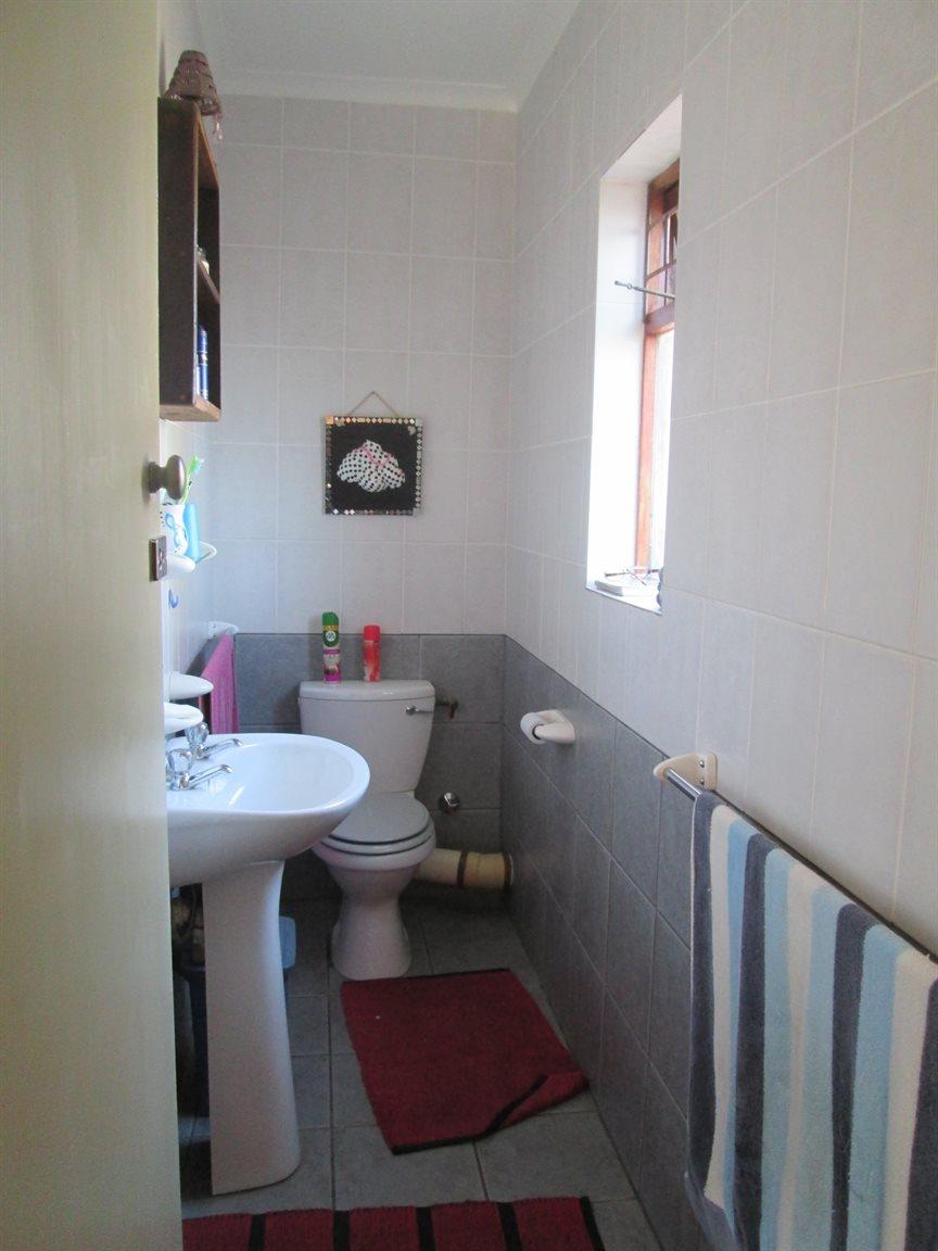 Vredenburg property for sale. Ref No: 13353056. Picture no 25