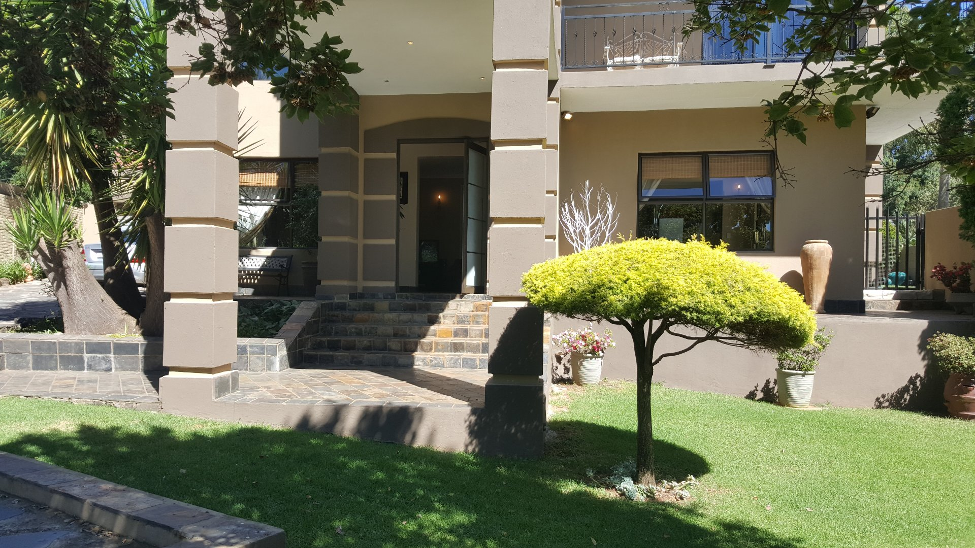 Roodepoort, Wilro Park Property  | Houses For Sale Wilro Park, Wilro Park, House 4 bedrooms property for sale Price:2,495,000