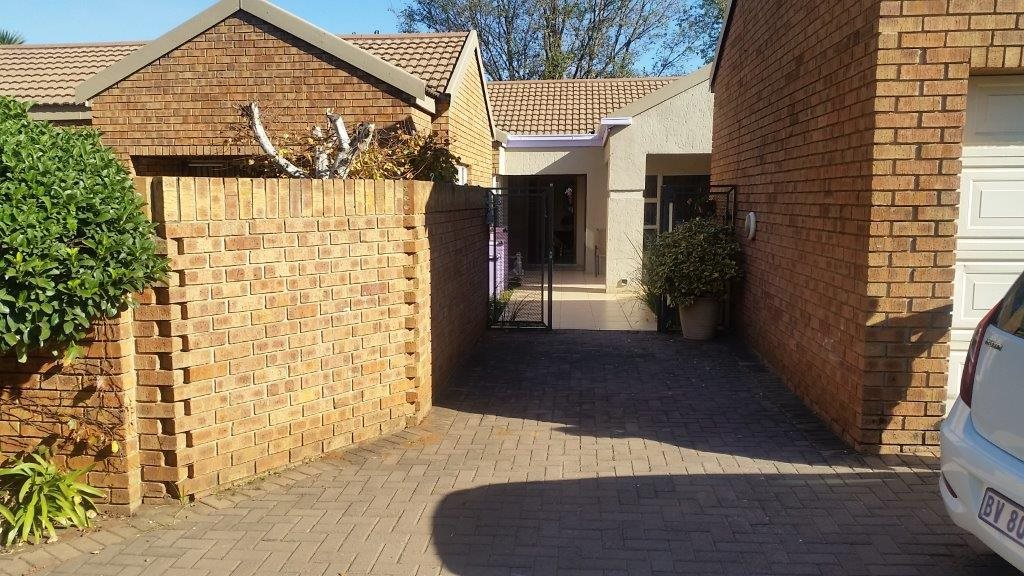Three Rivers Proper property for sale. Ref No: 12794036. Picture no 1