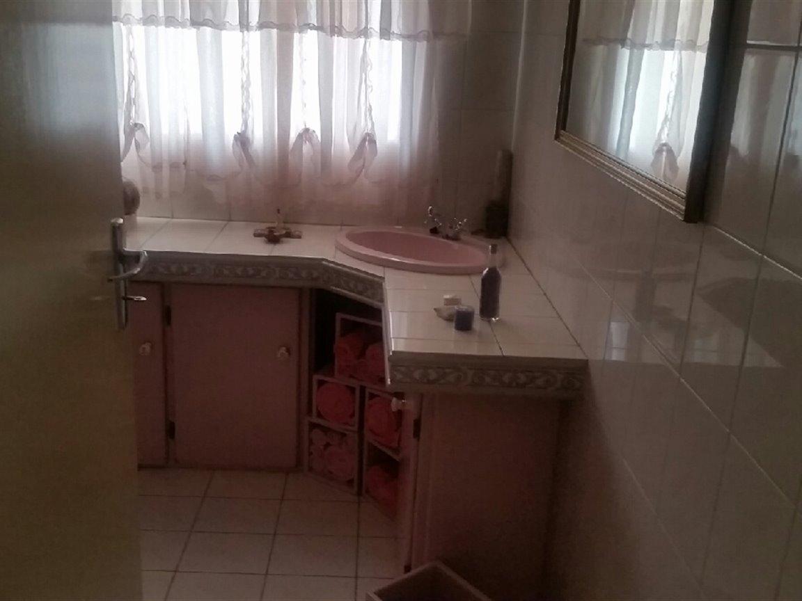 Arcon Park property for sale. Ref No: 13298922. Picture no 5