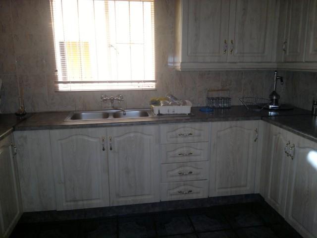 Falcon Ridge property for sale. Ref No: 13316587. Picture no 2
