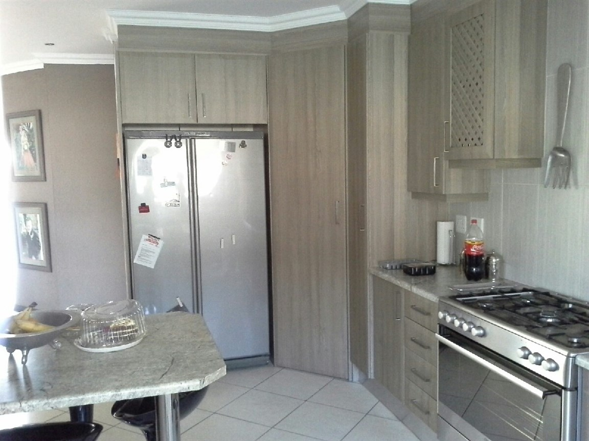 Three Rivers East property for sale. Ref No: 12737945. Picture no 2