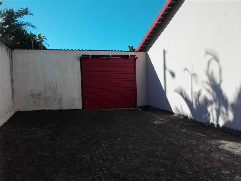 Uvongo property for sale. Ref No: 13360295. Picture no 11