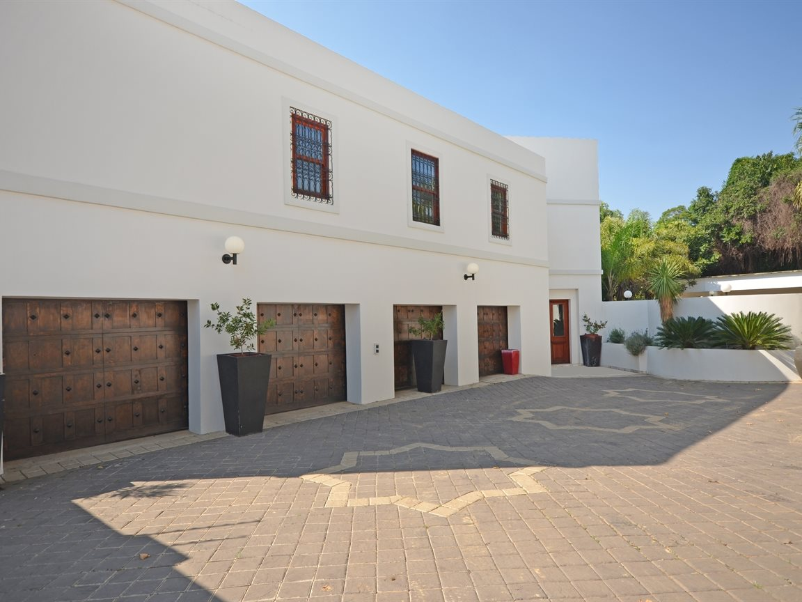 Houghton Estate property for sale. Ref No: 13429040. Picture no 16