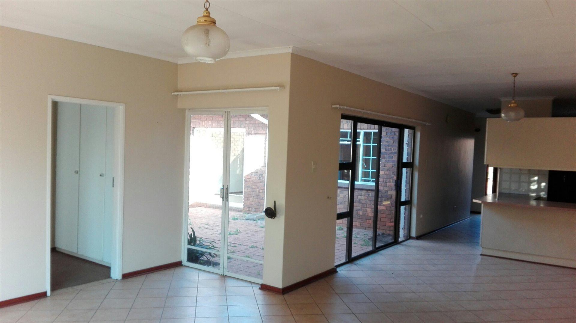 Zwartkop property for sale. Ref No: 13521136. Picture no 6