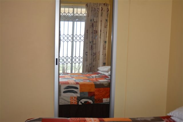 Uvongo property for sale. Ref No: 12775610. Picture no 15