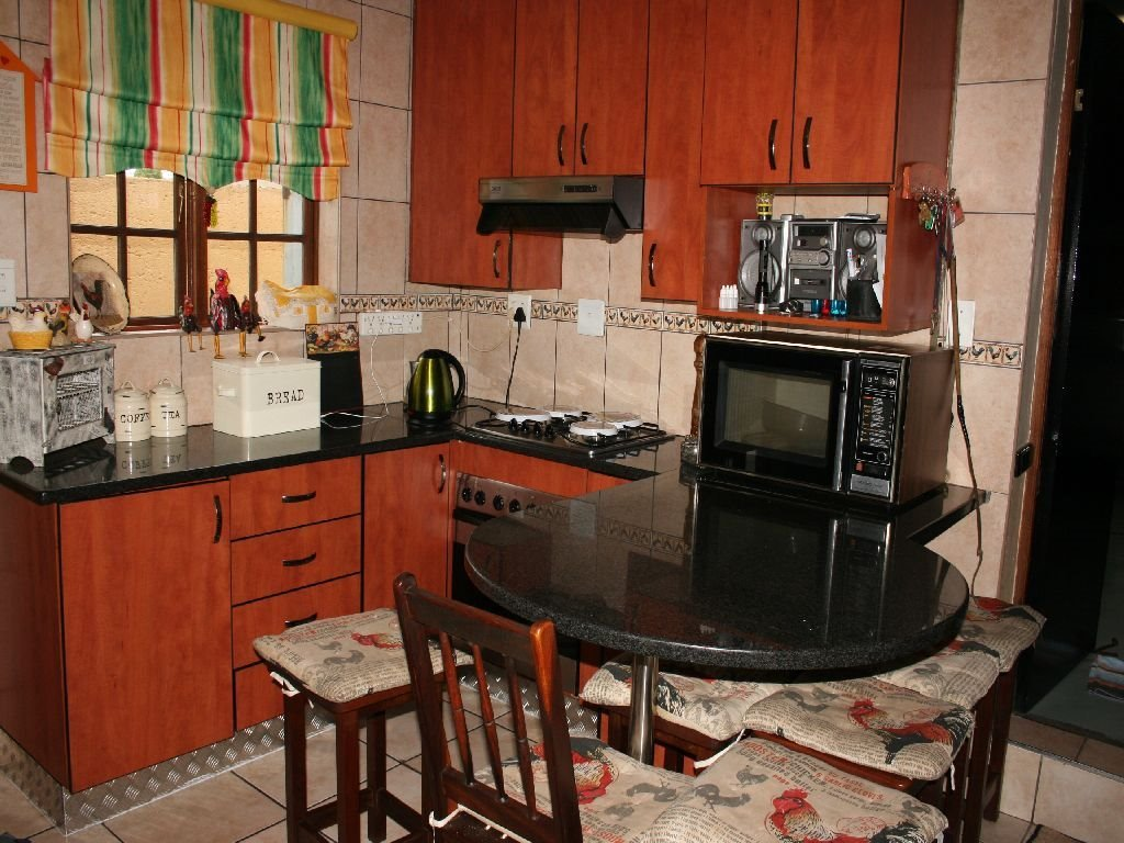 Eike Park property for sale. Ref No: 13476064. Picture no 16