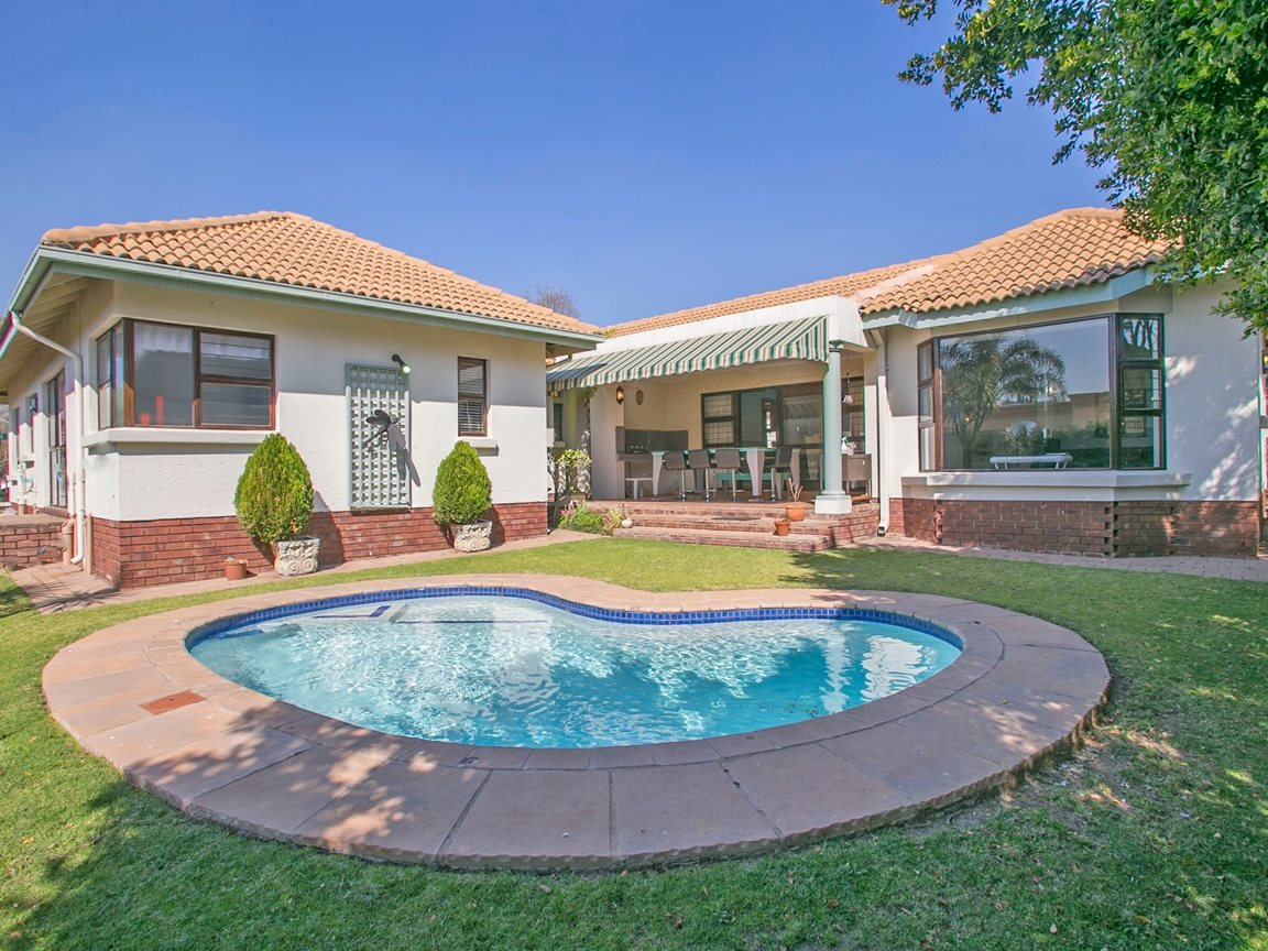 Fourways property for sale. Ref No: 13378870. Picture no 1
