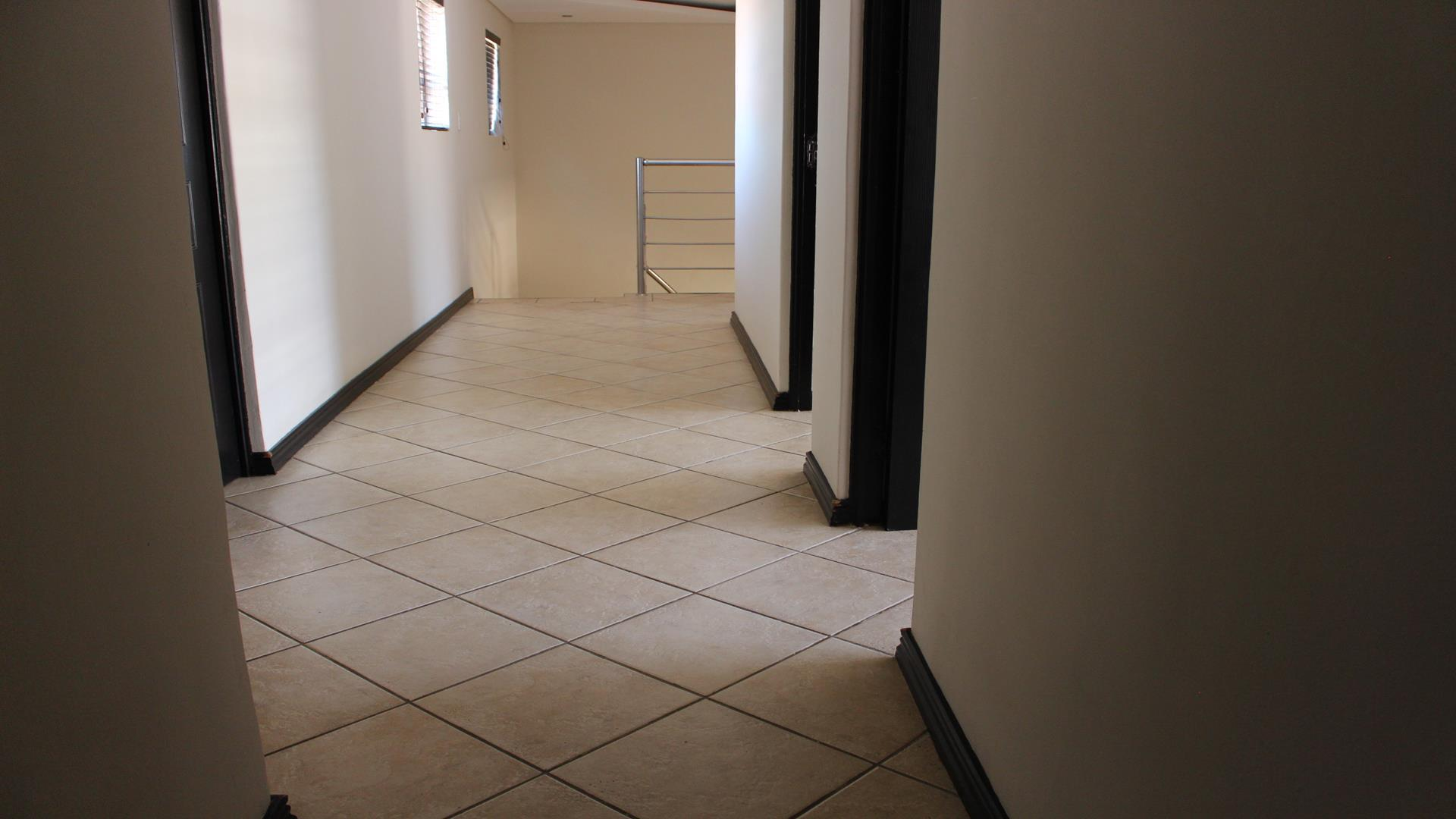 Raslouw Manor property for sale. Ref No: 13435098. Picture no 30