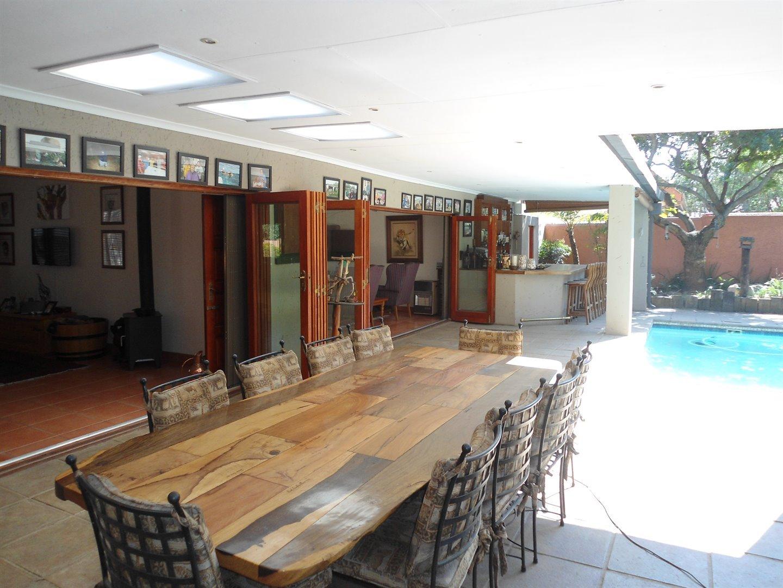 Douglasdale property for sale. Ref No: 13520882. Picture no 32