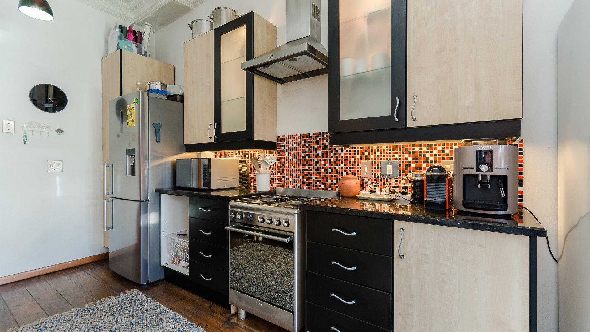 Orange Grove property for sale. Ref No: 13551072. Picture no 8