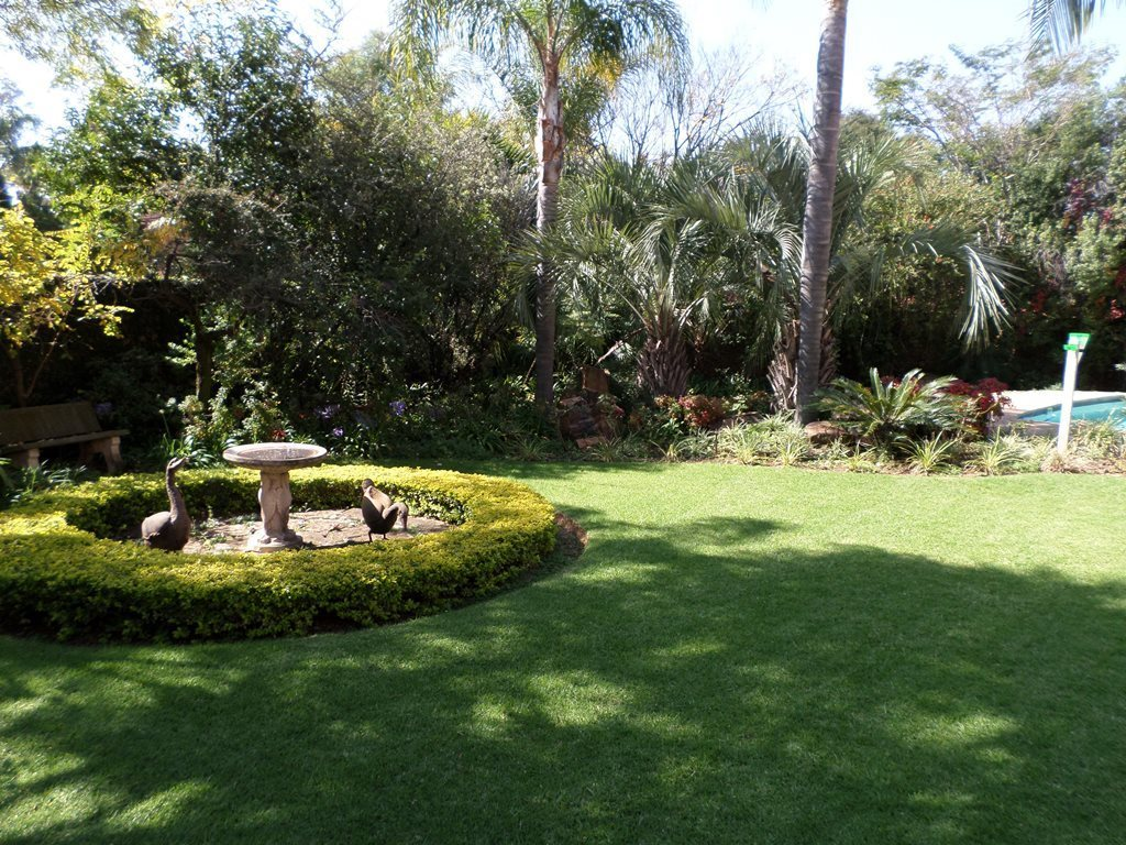 Waterkloof Ridge property for sale. Ref No: 13621937. Picture no 39