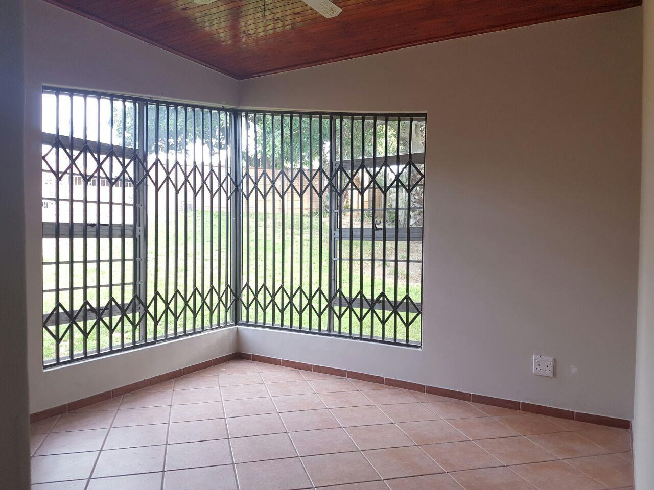 Birdswood property to rent. Ref No: 13441054. Picture no 9