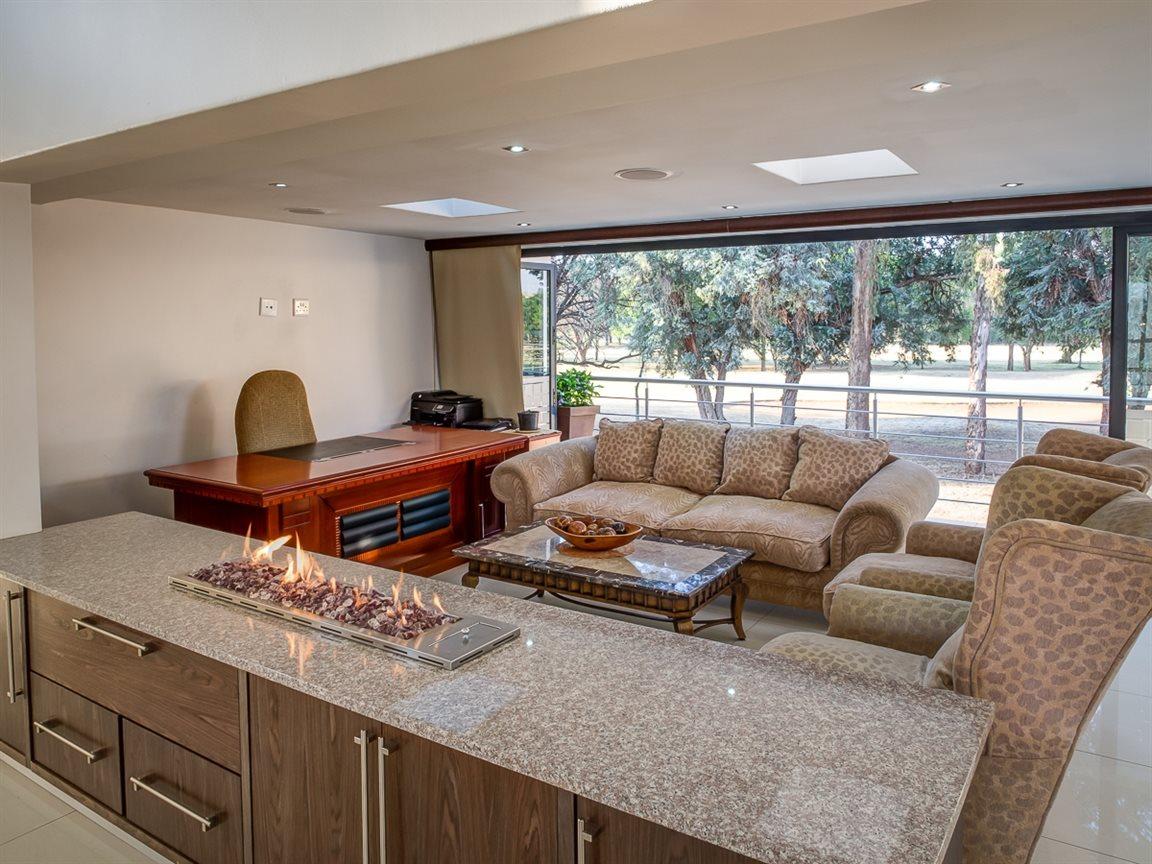 Zwartkop Golf Estate property to rent. Ref No: 13400079. Picture no 5